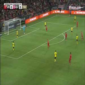 Mustafi almost giving away a goal