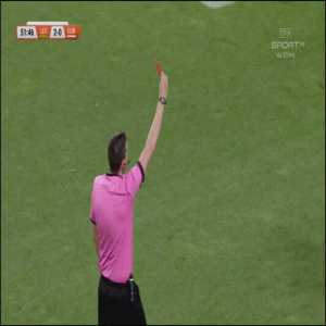 Sergio Sánchez (Europa FC) red card vs. Legia Warszawa, 52'
