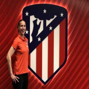 Women's World Cup Golden Glove winner Sari van Veenendaal signs for Atletico Madrid.