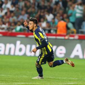 Official: Napoli agrees over the Eljif Elmas(19) transfer as Fenerbahce announces him leaving for a reported amount of €16 million
