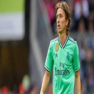 [Héctor Fernández] Luka Modric's intention is not to move from Real Madrid and he does not consider being part of any transfer.