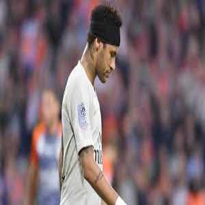 """Guy Roger: """"Today PSG have removed all the Neymar shirts from official stores."""""""