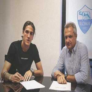 Nicolò Zaniolo has officially renewed his contract with Roma 🔴 @SkySport #Roma #calciomercato