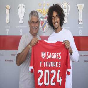 OFFICIAL : Tomas Tavares Extends His Contract with Benfica until 2024