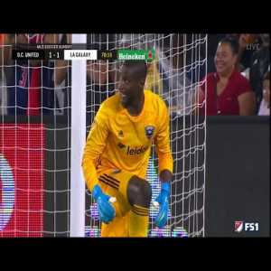 Ibrahimovic claps to goalkeeper after amazing save