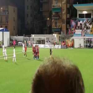 Schöne FK goal on his debut for Genoa