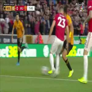 Raul Jimenez's nice solo run vs Manchester United