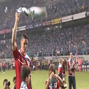 Fernando Torres serenaded with a rousing rendition of his chant by the Sagan Tosu fans and players at the end of his final professional match.
