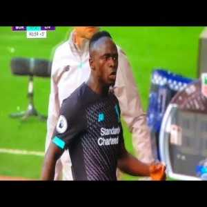 An Angry Sadio Mané lashes out for the Mo Salah snubbed pass