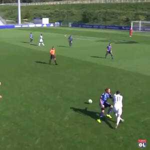 Great piece of skill by 16yo Rayan Cherki (Olympique Lyonnais)