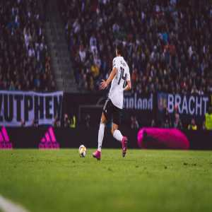 Nico #Schulz has suffered a partial ligament tear to a tarsal in his left foot and will not be available for #NIRGER on Monday. The Borussia Dortmund fullback travelled home from the team hotel in Hamburg.