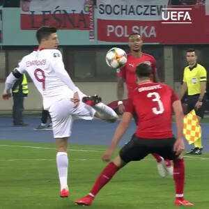 Lewandowski amazing ball control against Austria