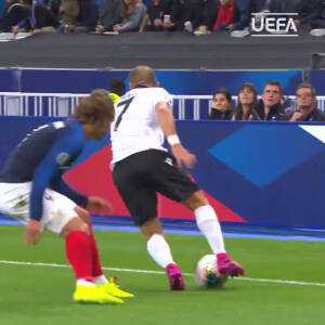 Keidi Bare with a nice feint against Griezmann and a nutmeg against Lemar
