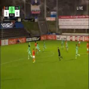Netherlands U19 [3]-0 Portugal U19 - Joshua Zirkzee 54'