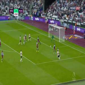 Juan Mata open goal miss vs West Ham '48