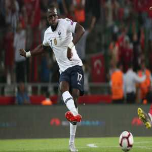 Moussa Sissoko makes an unexpected start tonight vs Iceland in place of N'Golo Kanté. He suffered from a muscle problem in the warm-up.