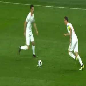 Xhaka and Lichtsteiner with an interesting free kick routine