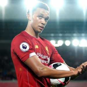 "Trent's response to the Bulgarian coach claiming he heard no racist chanting last night: ""Is this guy for real? The way the team stuck together last night was unreal but we can't ignore what happened. The racism has gotta stop."""