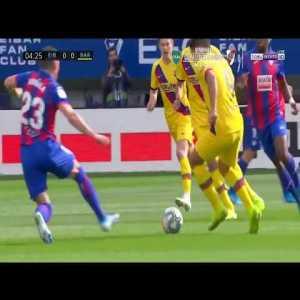 Luis Suárez nutmeg vs SD Eibar