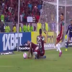 VAR rules no penalty (Flamengo vs Fluminense)