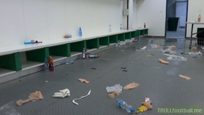 This is how FC Barcelona left the dressing room after the match vs Slavia Prague [betevé]