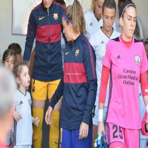 "In Barca-Madrid Women match yesterday, little girl mascot was disappointed that she got a Barca player: ""But I'm from Madrid 😟"""