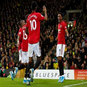 Marcus Rashford and Anthony Martial are the first pair of teammates to have both scored a goal and missed a penalty each in the same Premier League game