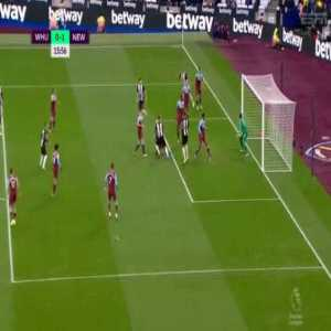 West Ham United 0-[1] Newcastle United : Ciaran Clark 16'