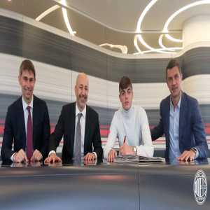 Daniel Maldini has extended his contract with AC Milan until 30 June 2024.