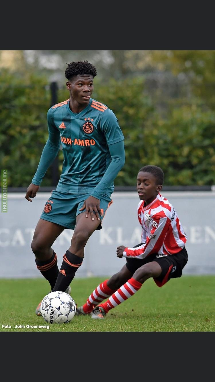David Easmon, player of Ajax u15.