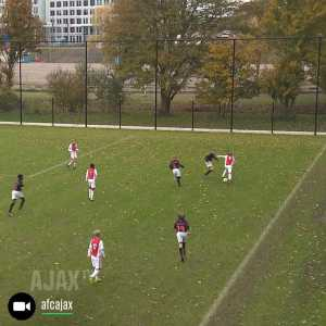 Amazing play from Ajax Youth team.