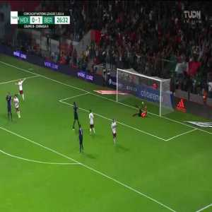 Mexico [1]-1 Bermuda : Sebastián Córdova 27' (nice goal)