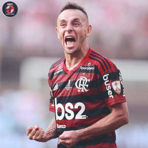 Rafinha (Flamengo) becomes only the tenth player ever to win both the Champions League and Copa Libertadores