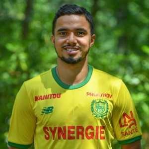 "Fabio Da Silva (Nantes) on his brother Rafael being left out of Olympique Lyonnais squad yet again this season: ""What wast came to Nantes @orafa2 will have love here 3 premier leagues, more the 40 games in champions league, 7 years at Manchester United, need to play football"""