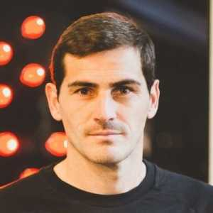 Iker Casillas on Twitter : Formula for football: goalkeeper 🔝& player 🐐. Today Barça have taken the 3 points at Wanda. Atleti has played well but has lacked to define the occasions. The Blaugranas remain at the top of the table. Atlético, to fight for the Champions league zone.