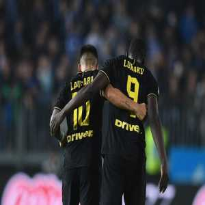 Inter top of the Serie A. Lautaro has 13 goals in all competitions, Big Rom 11. Quite a partnership.