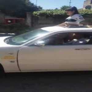 Almirante Brown's barrabrava rented a limousine to arrive at the stadium