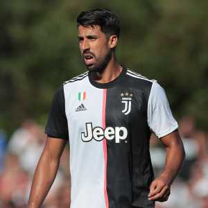 """Juventus have confirmed that Sami Khedira's knee operation was a success, but that he will be sidelined for three months"""