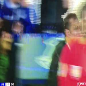 Ball boy's loving Duncan Ferguson's celebration of Everton's 2nd!