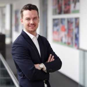 Manuel Neuer is on the verge of extending his contract at Bayern until 2023. There are just a few details to be finalised. Neuer wants to remain an undisputed starter
