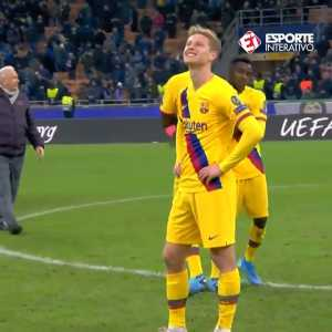 De Jong's reaction after he finds out Ajax were elimininated from the UCL