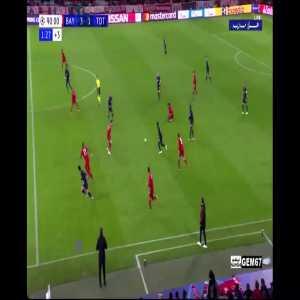 Neuer 1v1 save against Son