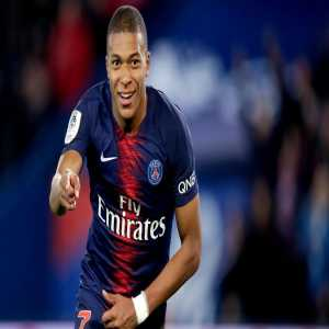 "Frederic Hermel of L'Equipe : ""Mbappe thinks that to win the Ballon D'Or he has to move to Madrid. He might force a move to Real Madrid in summer if PSG fails in Champions League. Mbappé's mother told a close friend of mine that her son will play at Real Madrid."""