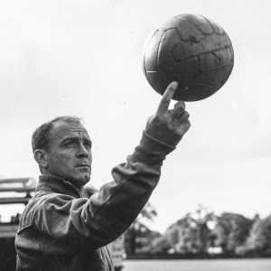 62 years ago this week, Real Madrid offered one of the all-time greats Alfredo Di Stéfano to Man United on loan to help them rebuild from the Munich Air Disaster.