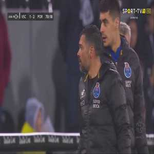 [Full Video] Moussa Marega (FC Porto) leaves the pitch after mokey chants coming from Vitória SC fans (his former club).