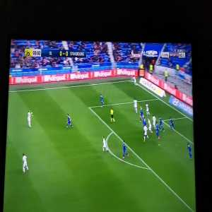 Marçal (OL) tried to back pass the ball to Lopes; almost went terribly wrong