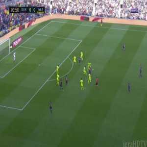 Messi skill vs Getafe drops defender