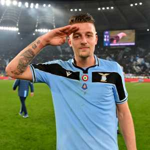 """Klopp on Serie A: """"I am cheering for Lazio to win the title. We have a former Liverpool player in the title race, that is Lucas Leiva. I'm sorry for Maurizio Sarri and Antonio Conte, but I think Lazio will be a great surprise. They are having an incredible season."""""""