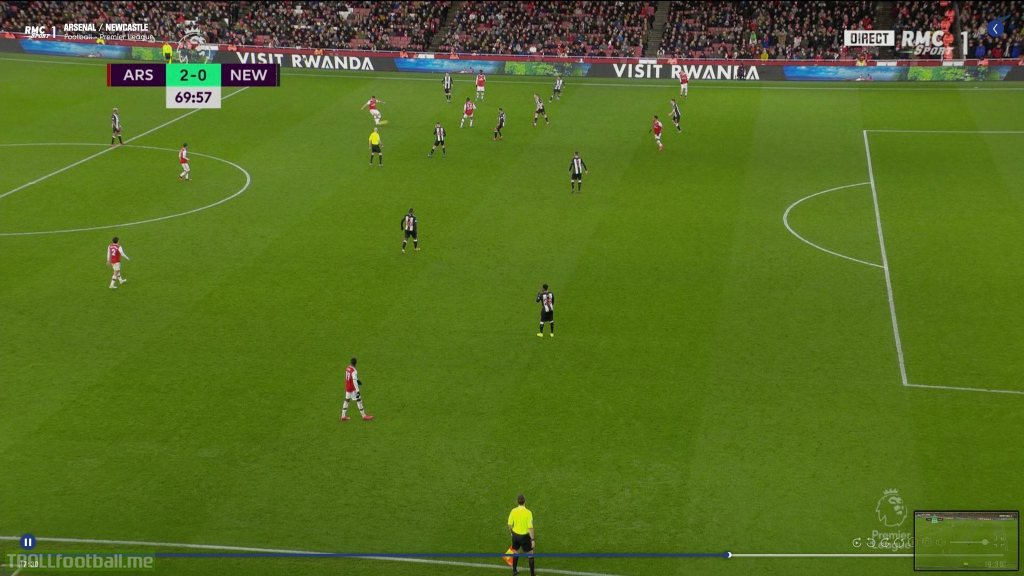Arsenal robbed of a goal scoring opportunity against Newcastle by the linesman