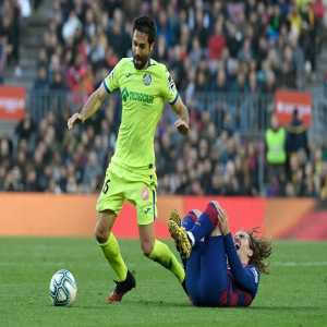 Getafe commited 30 fouls against Barcelona, becoming the first team in the top 5 leagues to reach that number in a single match since Sampdoria against Empoli in August 2016 (32).